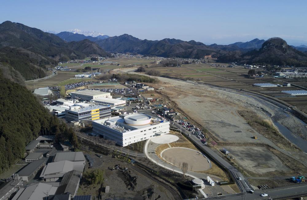 上空よりサニーキャンパス全体を見る。